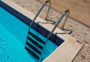 Лестницы и поручни для бассейна купить в Клину