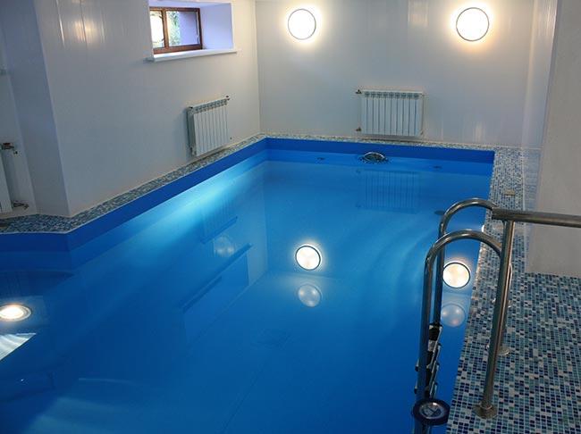 Бетонный бассейн для дачи