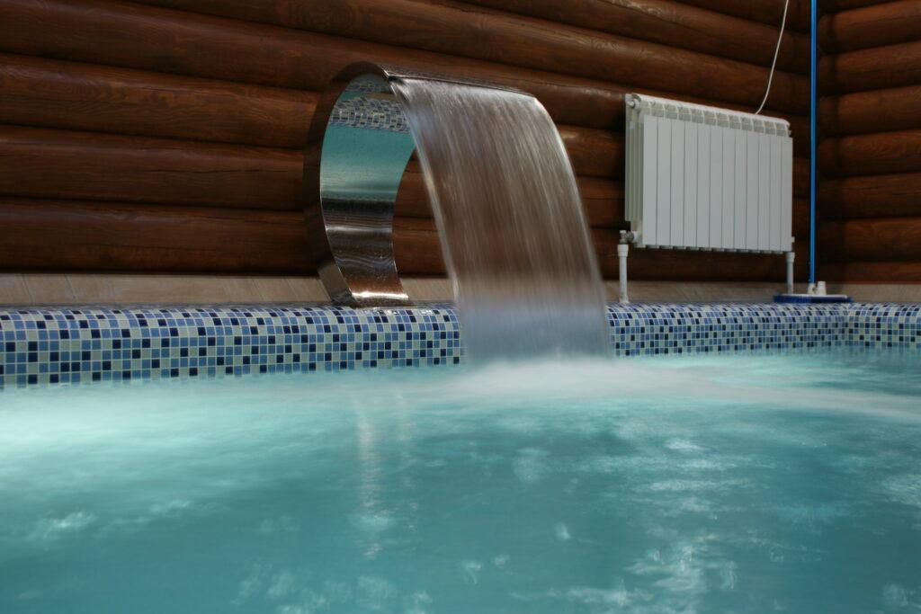 Водопады для бассейна. Кобра